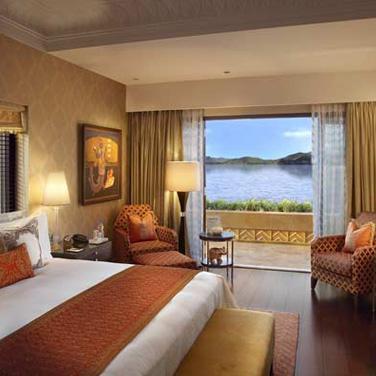 Grande Heritage Lake View Room