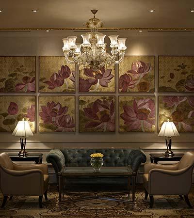 slideThe Lobby Lounge